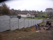 Betonové ploty montáž
